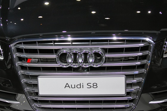 2013 Audi S8 - LA Auto Show featured image large thumb7