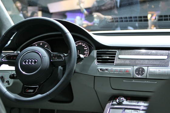 2013 Audi S8 - LA Auto Show featured image large thumb13