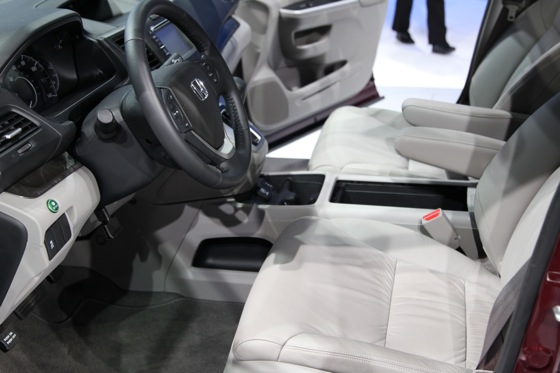 2012 Honda CR-V Delivers Fuel Economy and Performance Improvements - LA Auto Show featured image large thumb7