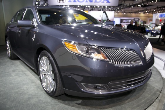 2013 Lincoln MKS - LA Auto Show featured image large thumb1