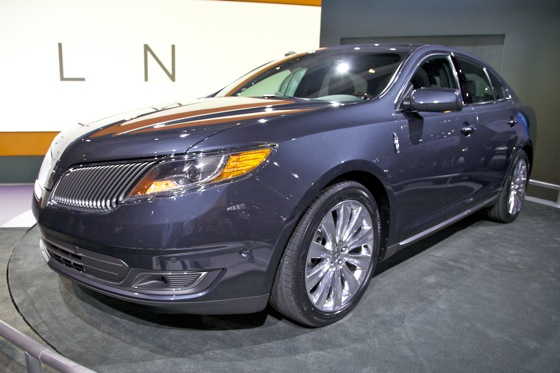 2013 Lincoln MKS - LA Auto Show featured image large thumb2