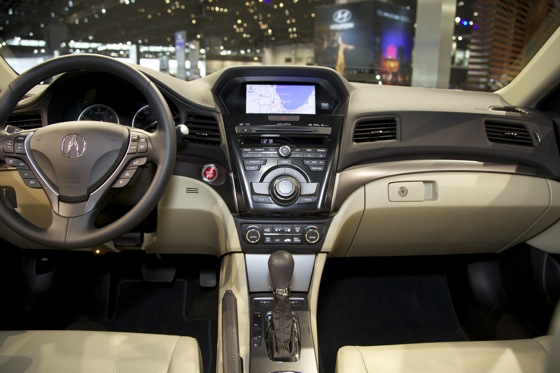 2013 Acura ILX: Chicago Auto Show featured image large thumb9