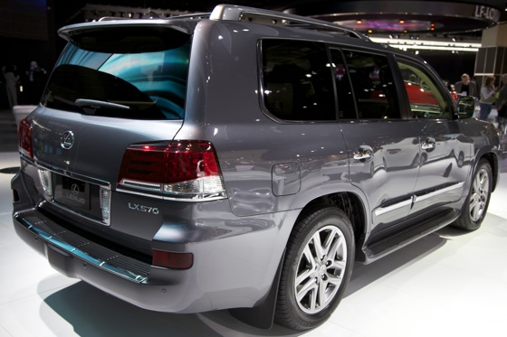 2012 Lexus LX 570: Detroit Auto Show featured image large thumb6