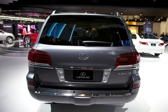 2012 Lexus LX 570: Detroit Auto Show featured image large thumb7