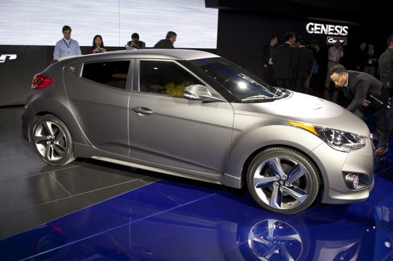 2013 Hyundai Veloster Turbo: Detroit Auto Show featured image large thumb1