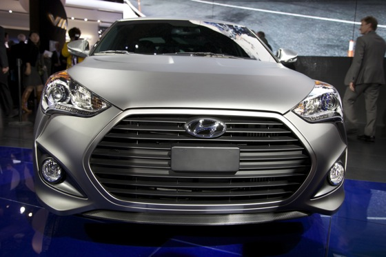 2013 Hyundai Veloster Turbo: Detroit Auto Show featured image large thumb2