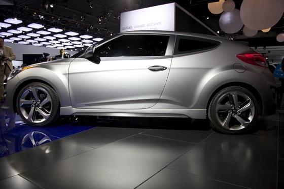 2013 Hyundai Veloster Turbo: Detroit Auto Show featured image large thumb6