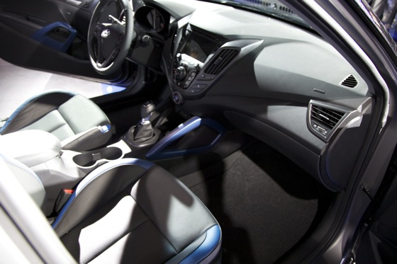 2013 Hyundai Veloster Turbo: Detroit Auto Show featured image large thumb10