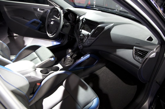 2013 Hyundai Veloster Turbo: Detroit Auto Show featured image large thumb11