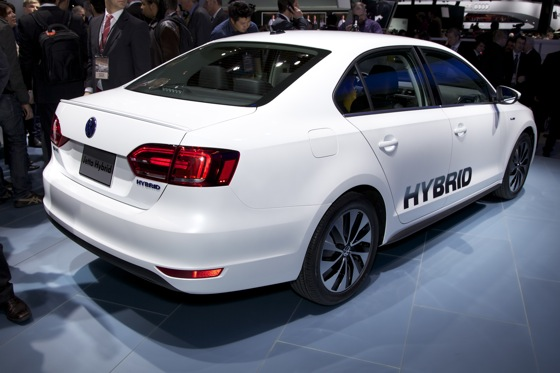 2013 Volkswagen Jetta Hybrid: Detroit Auto Show featured image large thumb2