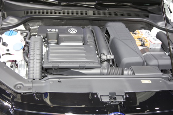 2013 Volkswagen Jetta Hybrid: Detroit Auto Show featured image large thumb9