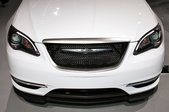 Chrysler 200 Super S: Detroit Auto Show featured image large thumb2