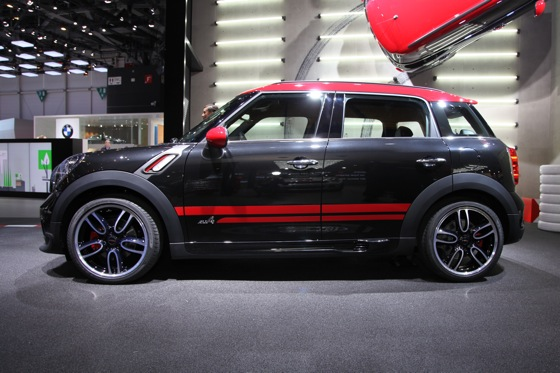 2013 Mini Countryman JCW: Geneva Auto Show featured image large thumb7