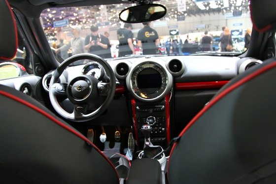 2013 Mini Countryman JCW: Geneva Auto Show featured image large thumb10