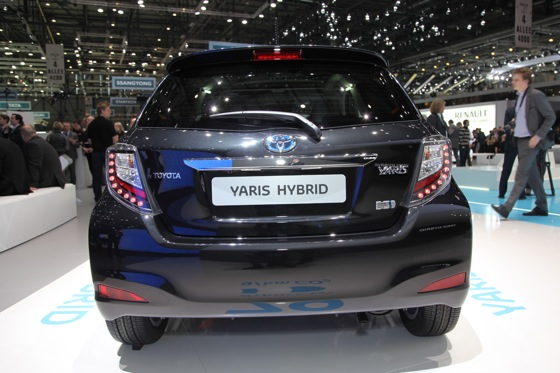 Toyota Yaris Hybrid: Geneva Auto Show featured image large thumb4