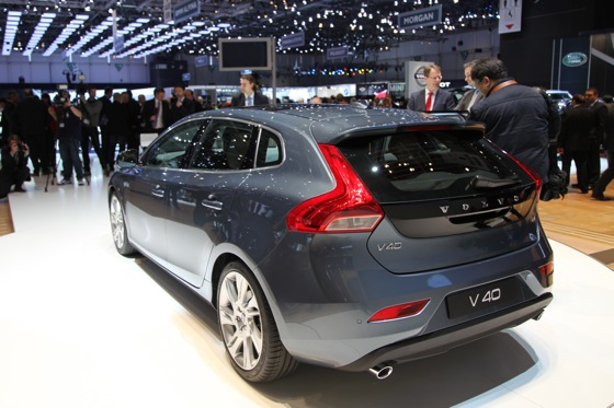 2013 Volvo V40: Geneva Auto Show featured image large thumb5