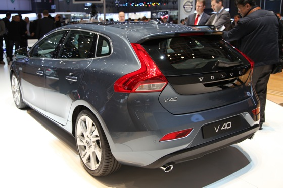 2013 Volvo V40: Geneva Auto Show featured image large thumb6
