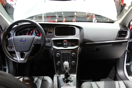 2013 Volvo V40: Geneva Auto Show featured image large thumb13