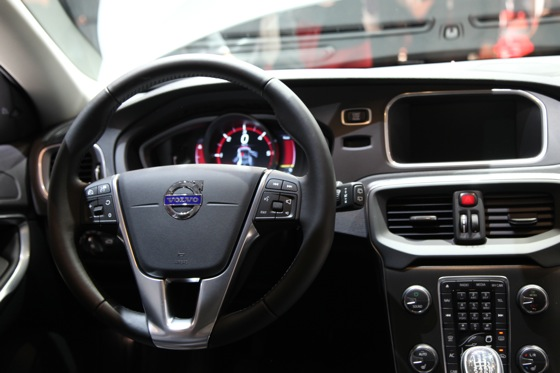 2013 Volvo V40: Geneva Auto Show featured image large thumb14