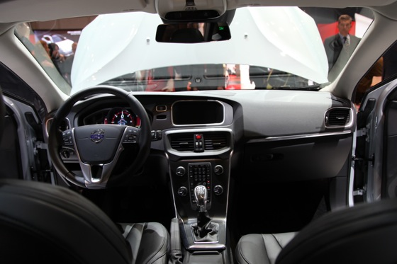 2013 Volvo V40: Geneva Auto Show featured image large thumb15