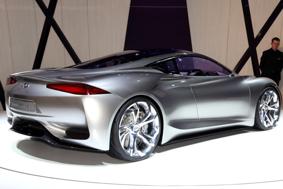 Infiniti EMERG-E Concept Vehicle: Geneva Auto Show featured image large thumb2