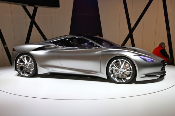 Infiniti EMERG-E Concept Vehicle: Geneva Auto Show featured image large thumb4
