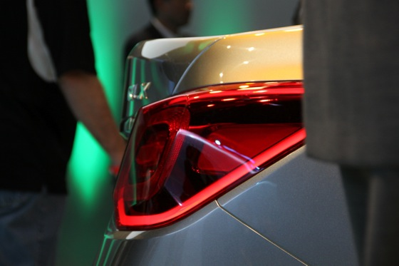 Acura RLX Concept: New York Auto Show featured image large thumb21