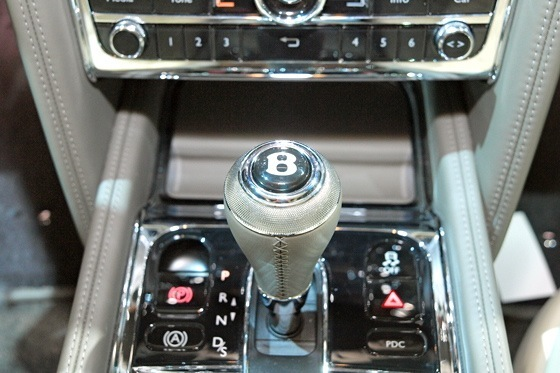 2013 Bentley Mulsanne: New York Auto Show featured image large thumb8