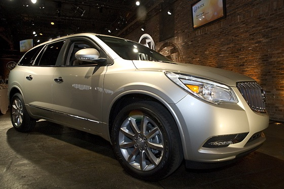 2013 Buick Enclave: New York Auto Show featured image large thumb4