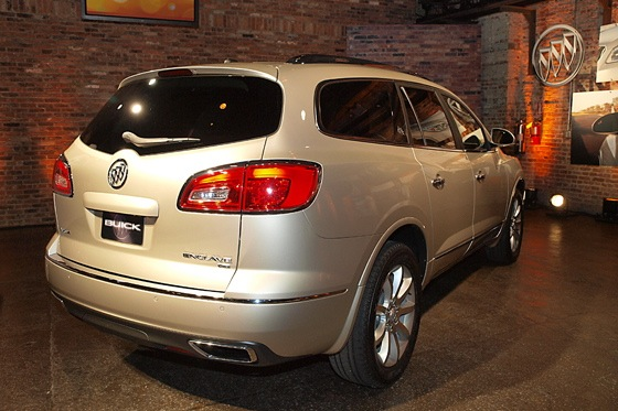 2013 Buick Enclave: New York Auto Show featured image large thumb6