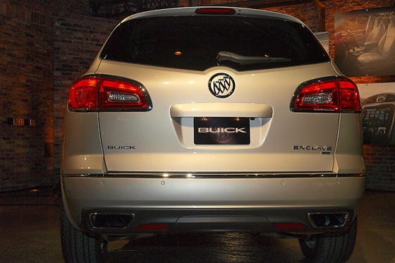 2013 Buick Enclave: New York Auto Show featured image large thumb7