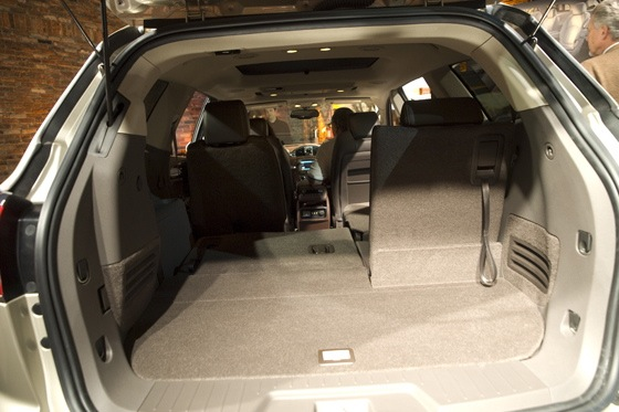 2013 Buick Enclave: New York Auto Show featured image large thumb18