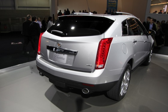 2013 Cadillac SRX: New York Auto Show featured image large thumb4