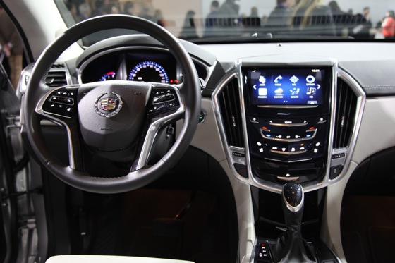 2013 Cadillac SRX: New York Auto Show featured image large thumb7