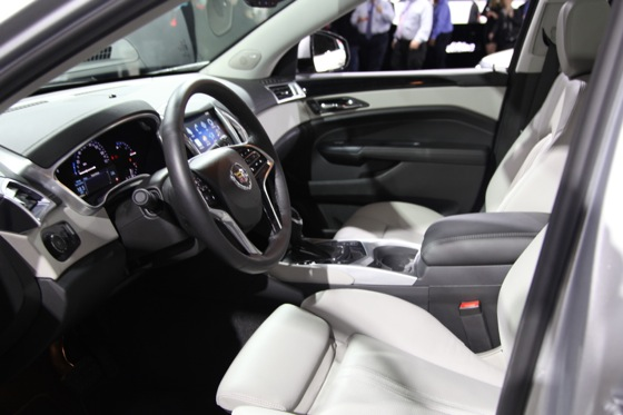 2013 Cadillac SRX: New York Auto Show featured image large thumb8