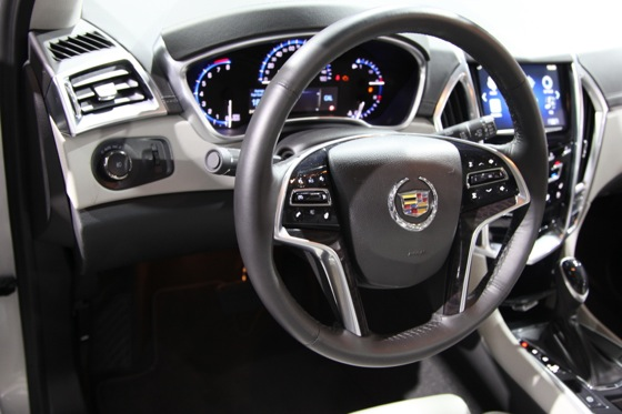 2013 Cadillac SRX: New York Auto Show featured image large thumb9