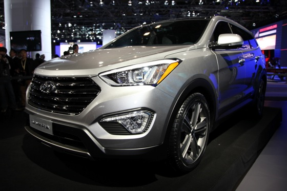 2013 Hyundai Santa Fe: New York Auto Show featured image large thumb0
