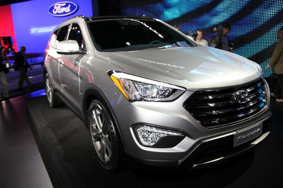 2013 Hyundai Santa Fe: New York Auto Show featured image large thumb2