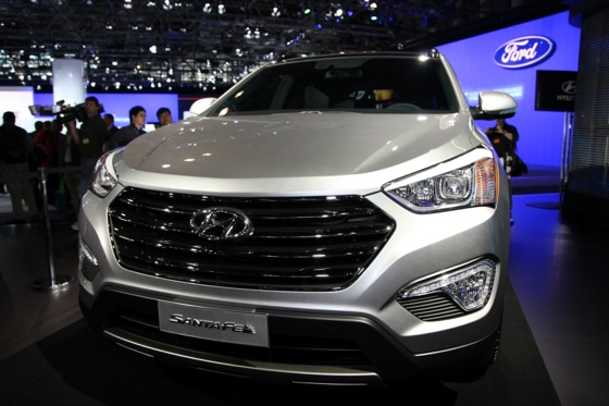 2013 Hyundai Santa Fe: New York Auto Show featured image large thumb4