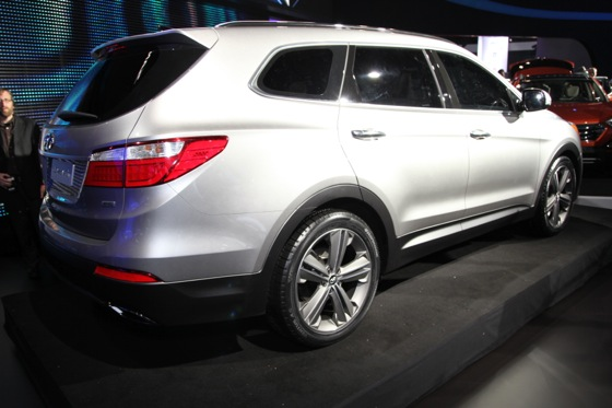 2013 Hyundai Santa Fe: New York Auto Show featured image large thumb6