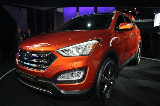 2013 Hyundai Santa Fe: New York Auto Show featured image large thumb8