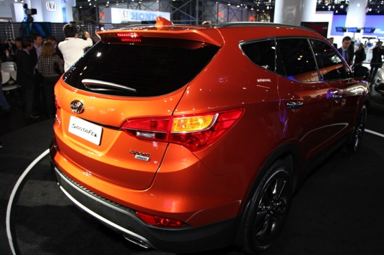 2013 Hyundai Santa Fe: New York Auto Show featured image large thumb11