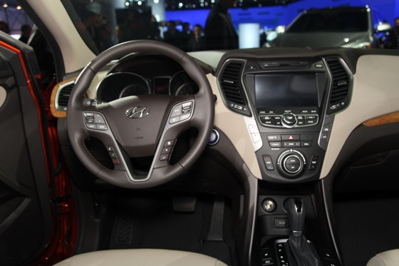 2013 Hyundai Santa Fe: New York Auto Show featured image large thumb13