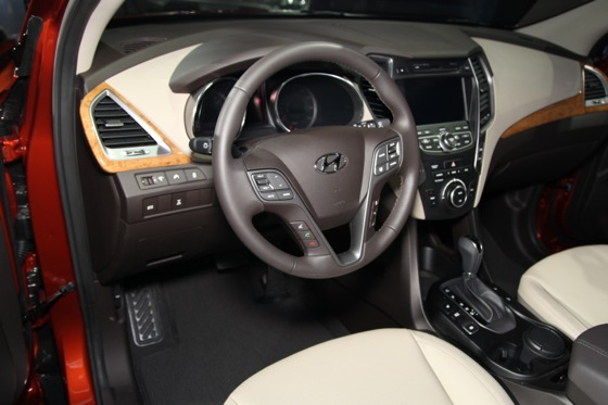 2013 Hyundai Santa Fe: New York Auto Show featured image large thumb14