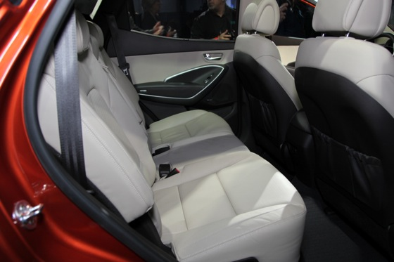 2013 Hyundai Santa Fe: New York Auto Show featured image large thumb17