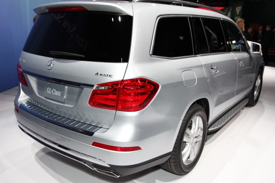 2013 Mercedes GL-Class: New York Auto Show featured image large thumb6
