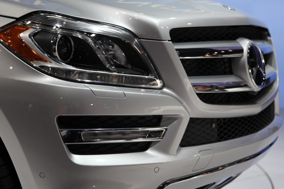 2013 Mercedes GL-Class: New York Auto Show featured image large thumb12