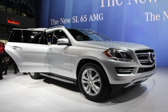 2013 Mercedes GL-Class: New York Auto Show featured image large thumb14