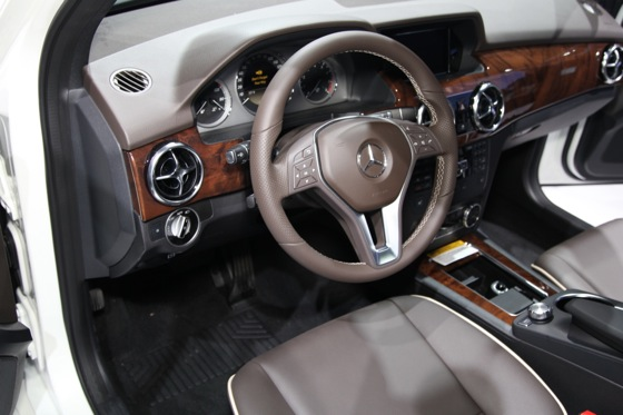 2013 Mercedes GLK: New York Auto Show featured image large thumb7