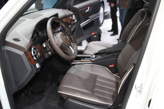 2013 Mercedes GL-Class: New York Auto Show featured image large thumb20